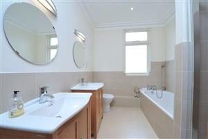 En-Suite Bathroom