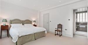 Swan Court, Chelsea Manor Street, SW3