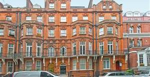 Kensington Court, W8