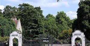 Warriner Gardens, SW11