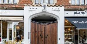 Kensington Church Street, W8