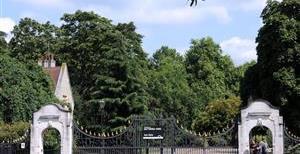 Battersea Park Road, SW11